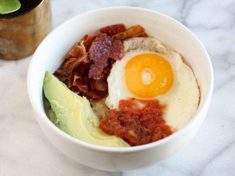 These Mexican Breakfast Oats are filled with fiber, healthy fats, and protein to start your day sunny side up.
